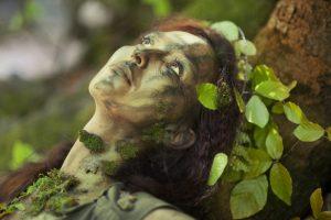 mud:leaf woman